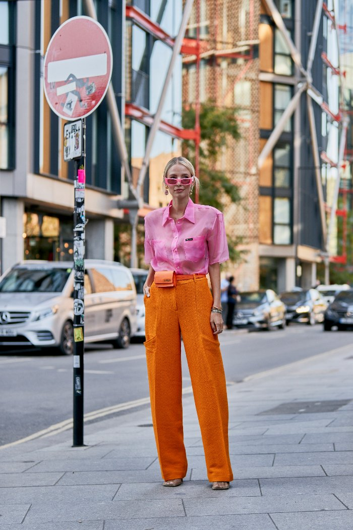rosa y naranja, combinaciones raras, street style.