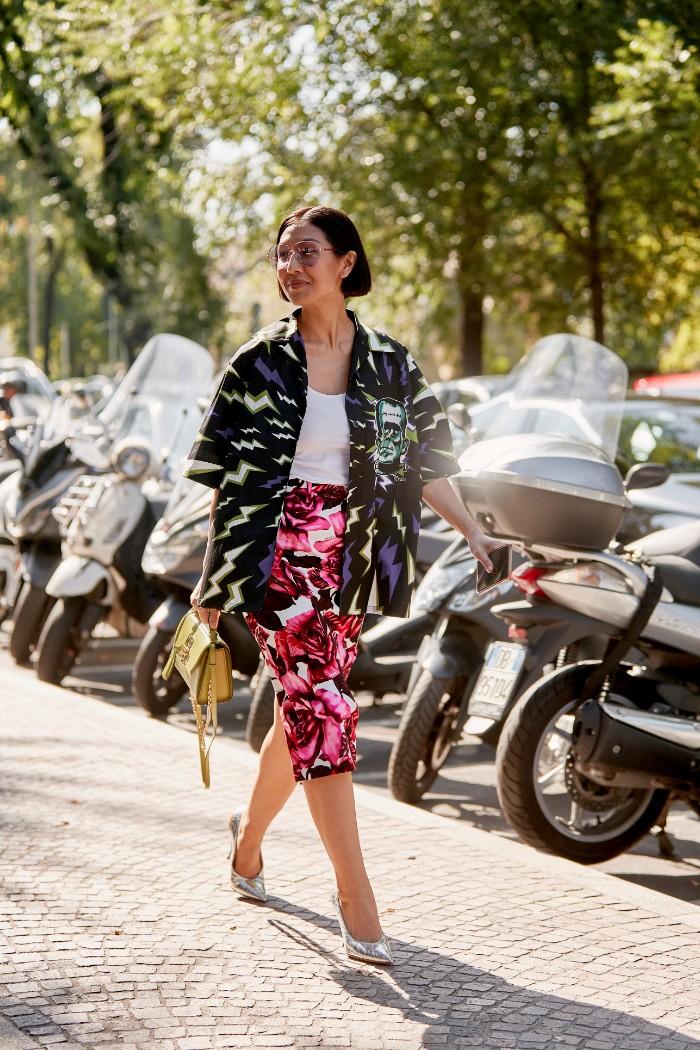 5 prendas que te suman hasta 10 años, primavera-verano 2020, street style, constraste de estampados, teen style