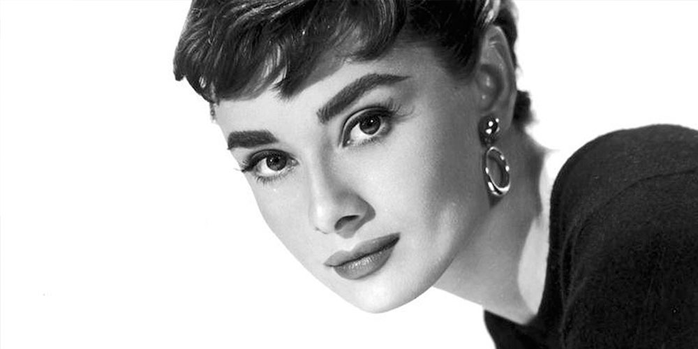 Close up Audrey Hepburn