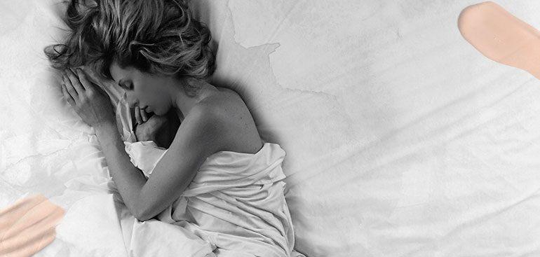 la rutina de belleza que incluye dormir mucho