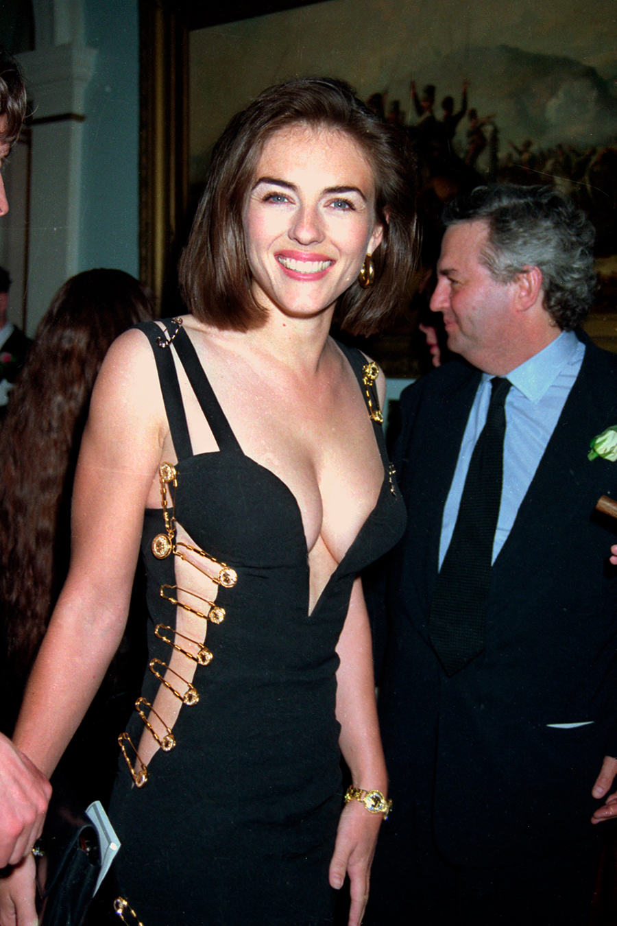 elizabeth-hurley-versace-foto-getty-images