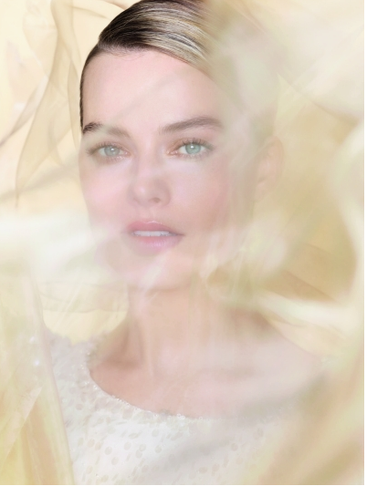 margot-robbie-chanel