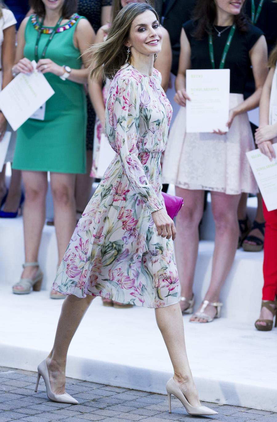 Letizia lleva un vestido de Zara.