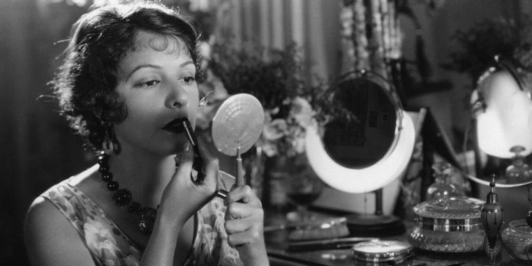 Anuncian proyecto del primer Museo de Maquillaje - Harper's Bazaar