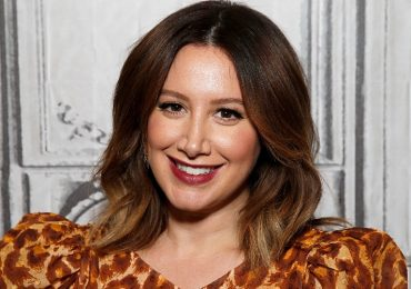 ashley tisdale, instagram, selfie, autestima, amor propio, celulitis