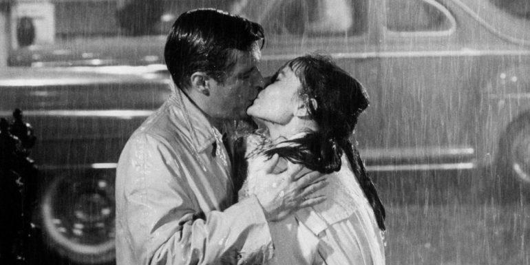 audrey hepburn, desayuno en tiffany's, beso, besos de pelicula, mejores besos, besos pantalla grande, peliculas románticas, día internacional del beso