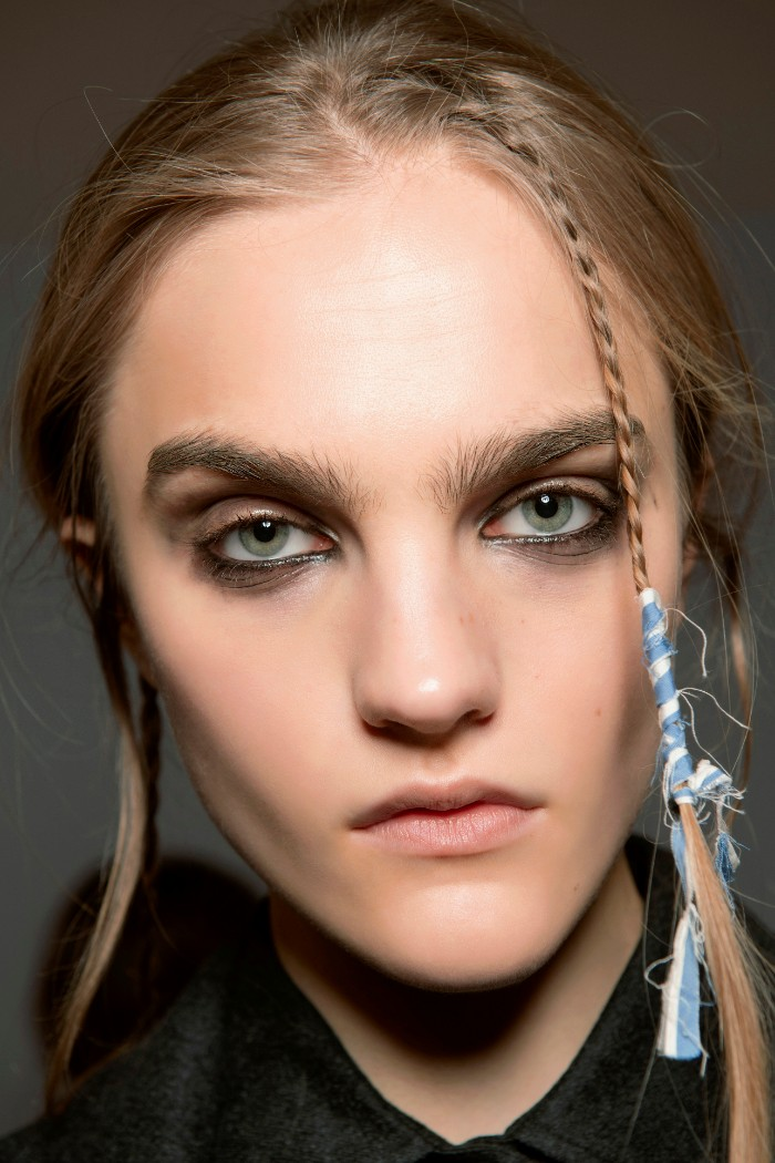 trenza, braid, peinados, Max Mara Otoño-Invierno 2020/Foto: Imaxtree
