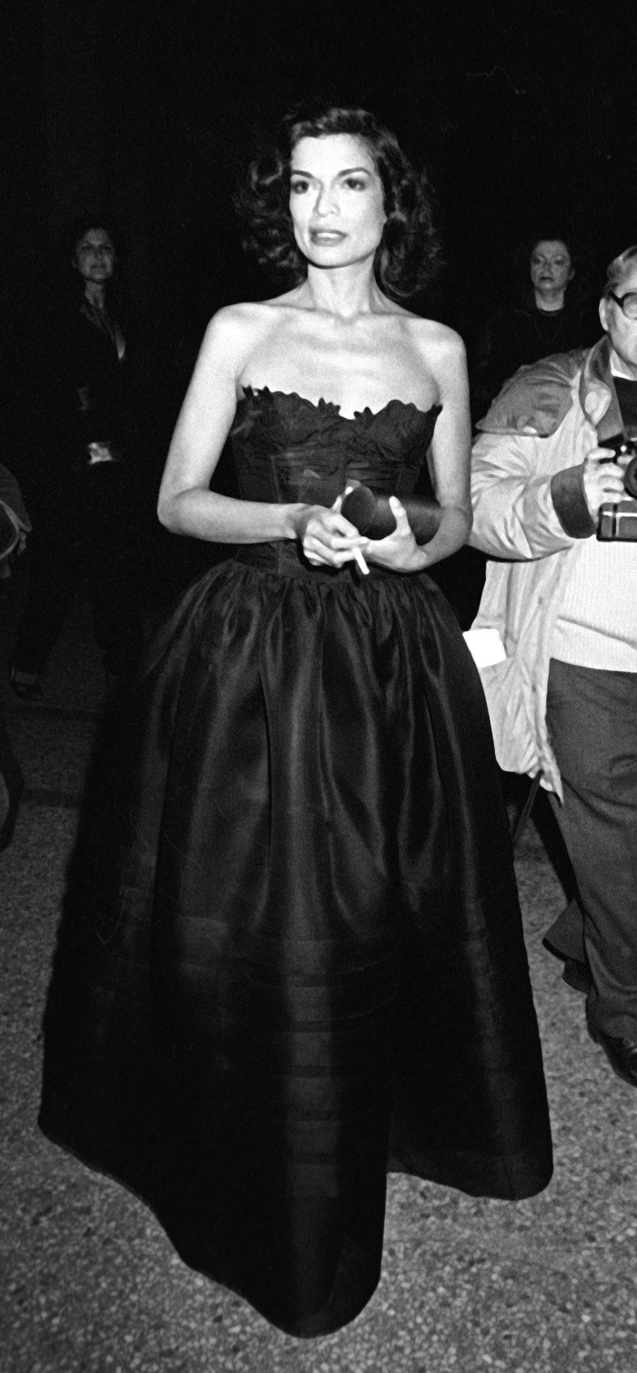 Bianca Jagger, museo metropolitano de arte, met gala, Metropolitan Museum of Art Costume Institute Gala