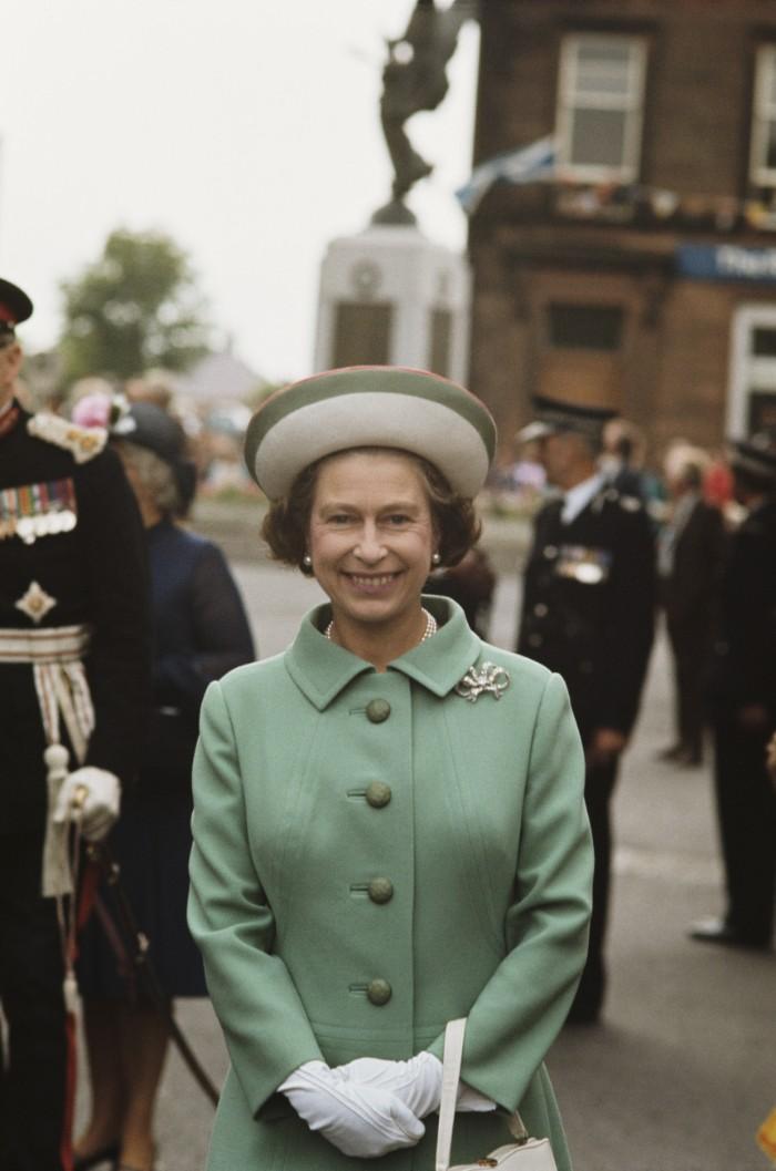 Broches de reina Isabel II