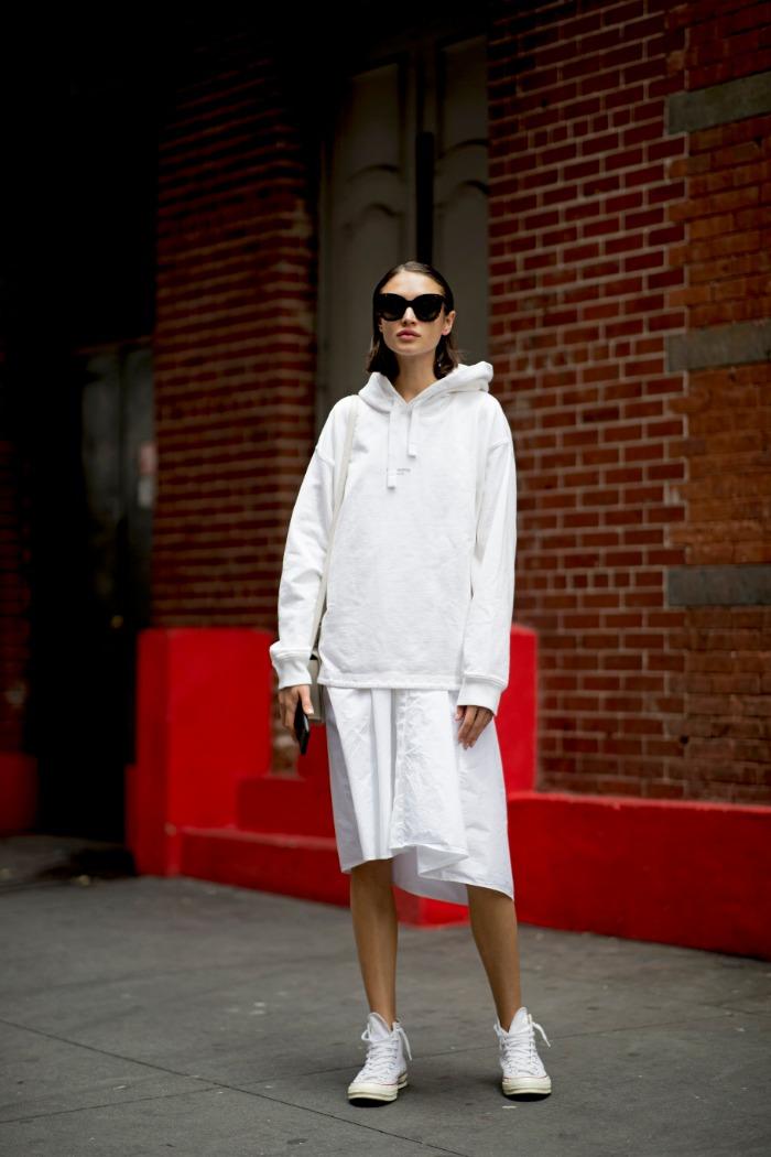 sudadera y falda, 6 formas fabulosas de usar sudadera