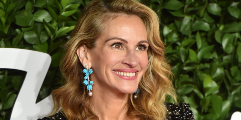 #PassTheMic: Julia Roberts cede sus redes sociales