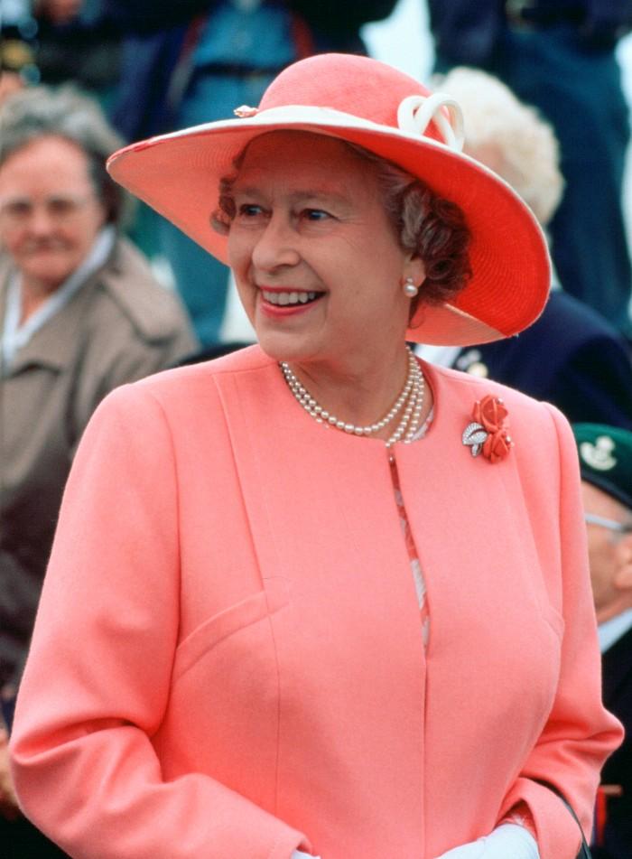 Los broches de la reina Isabel II