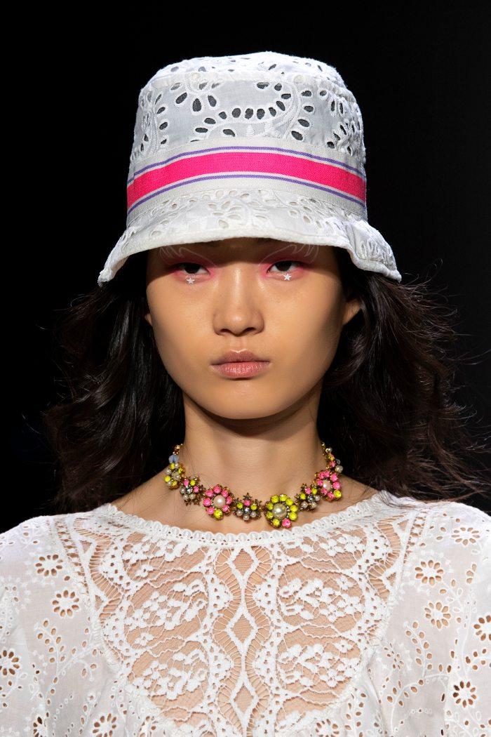 ¿Estás preparada para usar un bucket hat?