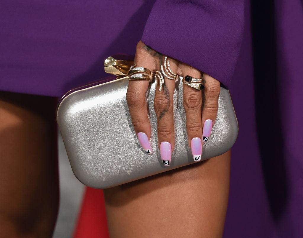extravagante-diseños-de-uñas-Harpers-Bazaar-II