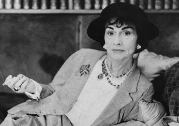 Coco Chanel, más allá del tweed, el vestido negro y sus amantes