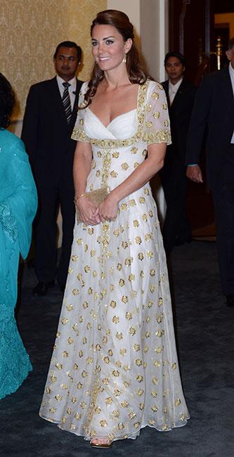 Kate Middleton con un vestido de corte imperio.