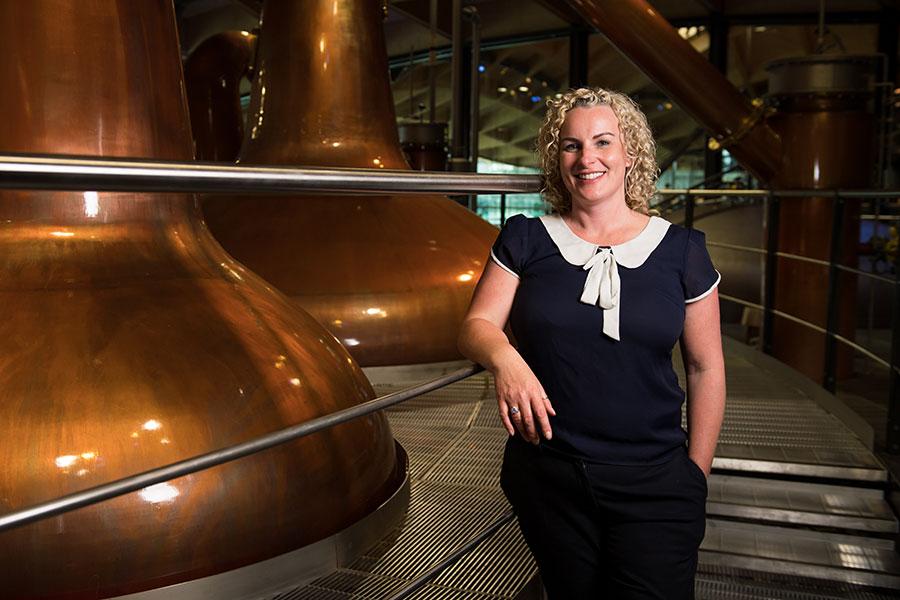 Las grandes mujeres del whisky - Sarah Burgess