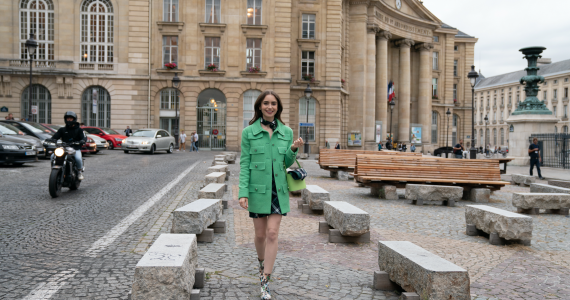 Looks de Emily in Paris Chanel