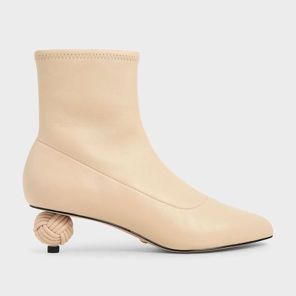 Cómo usar botas kitten heel Charles & keith
