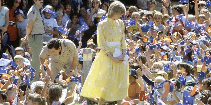La princesa Diana y el príncipe Carlos en Australia estudiantes