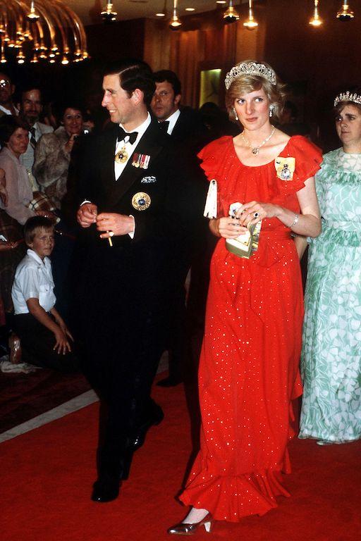 La princesa Diana y el príncipe Carlos en Australia William Tiara