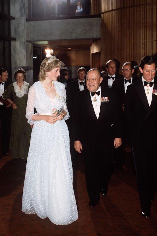 La princesa Diana y el príncipe Carlos en Australia gala