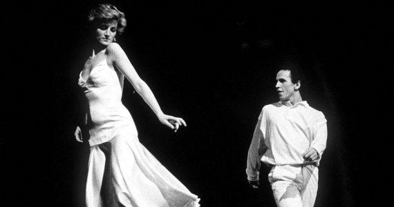 Diana bailando uptown girl