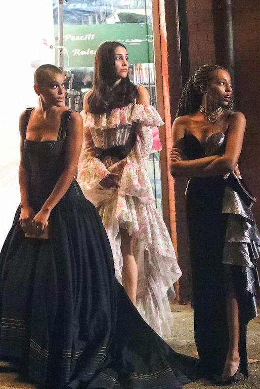Looks en la nueva versión de Gossip Girl vestidos