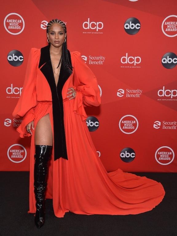Los mejores looks de los American Music Awards 2020 ciara