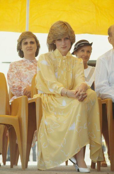 Mejores vestidos de Lady Di - amarillo