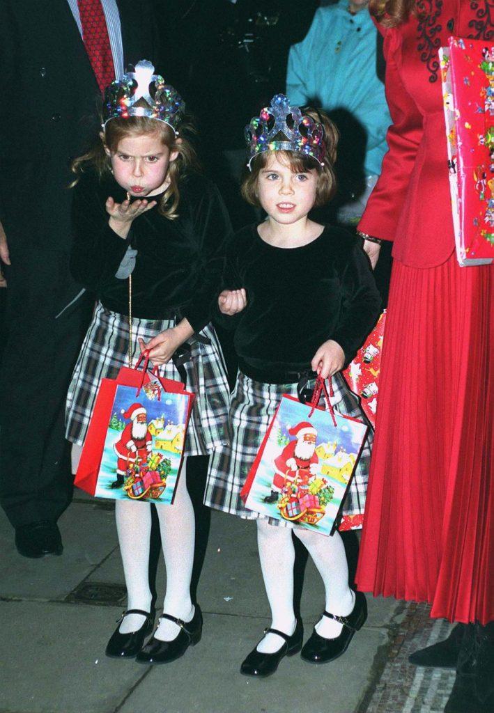 fotos de navidad de la realeza beatriz y eugenia