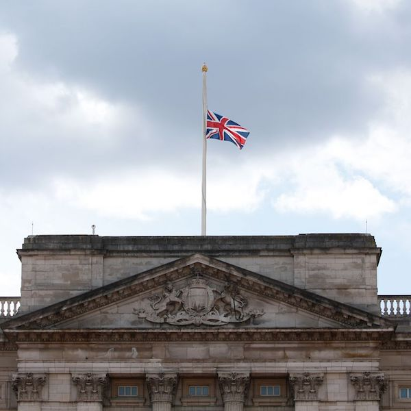 Funeral de Felipe de Edimburgo bandera