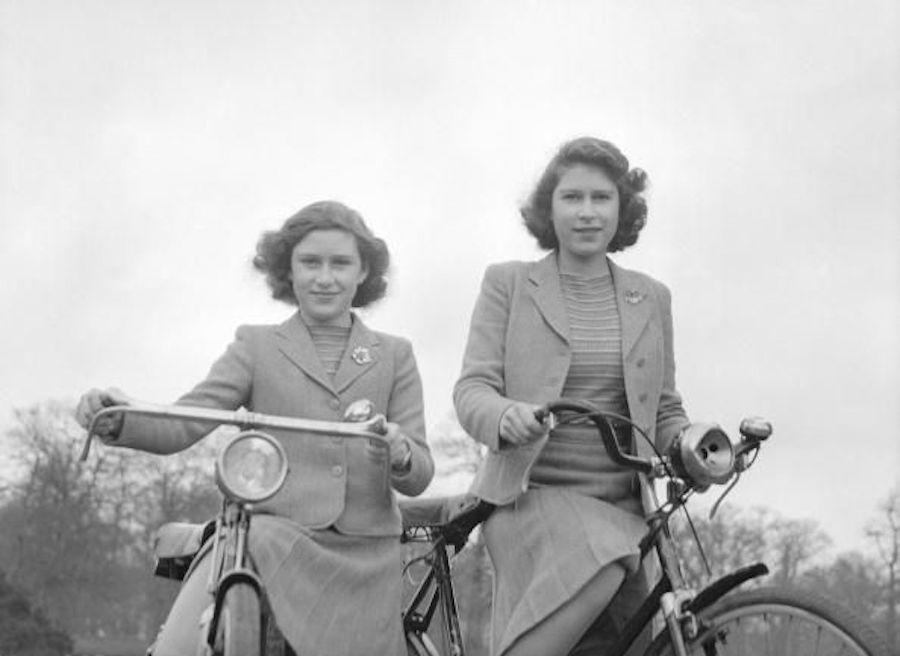 Isabel II Princesa Margarita bicicleta