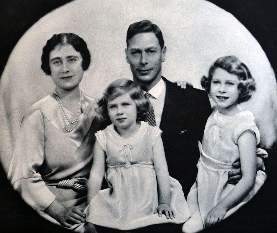 Isabel II Princesa Margarita infancia