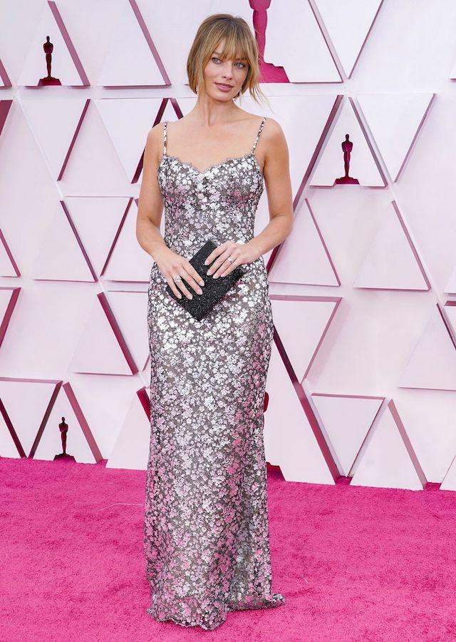 Looks Alfombra Roja Oscars 2021 Margot Robbie