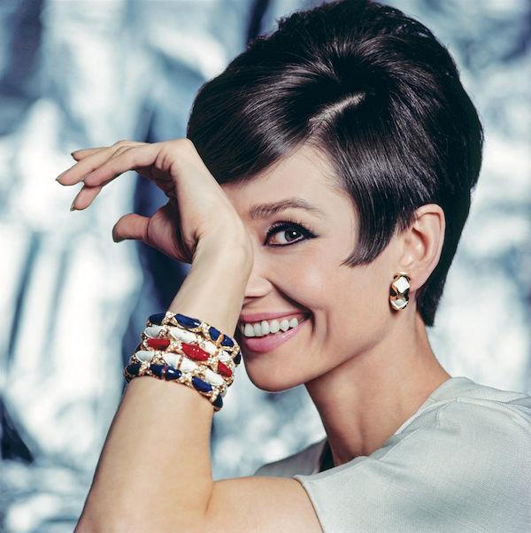 Audrey Hepburn fotos brazalete