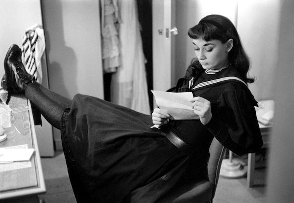 Audrey Hepburn fotos lectura