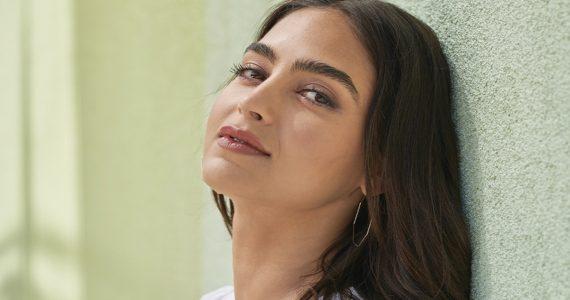 Melissa Barrera embajadora Clinique