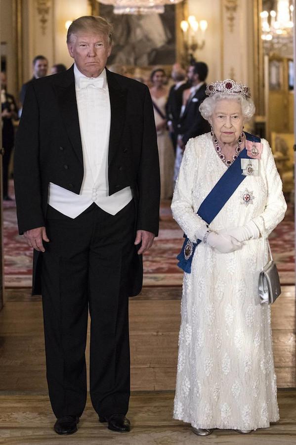 Reina Isabel II Trump