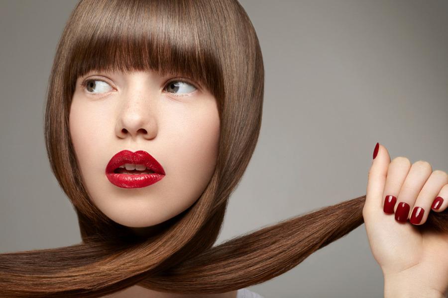 Cómo conseguir un cabello lacio perfecto