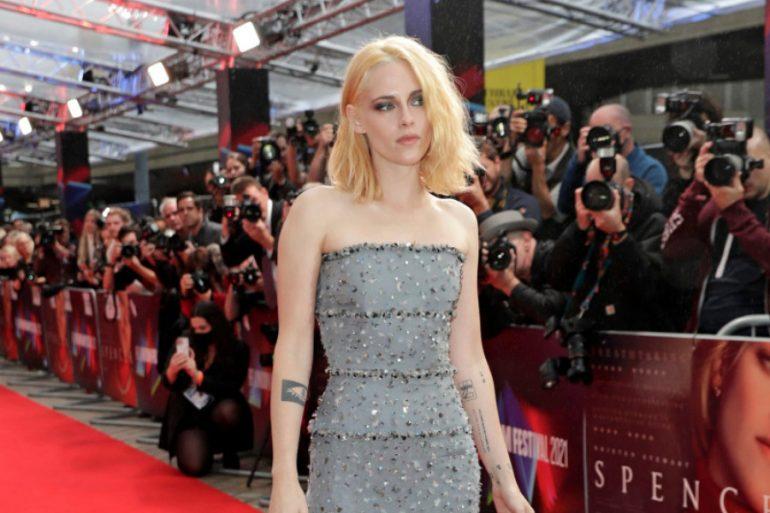 Vestido Chanel de Kristen Stewart en premier de Spencer